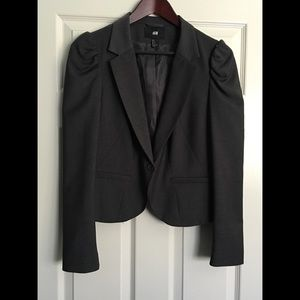 H&M Short Cropped Rouched Sleeve Blazer
